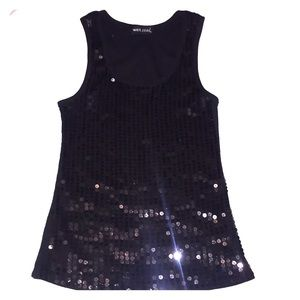 Tank top sequenced